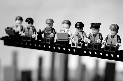 balakov-lunch-atop-a-skyscraper-lego.jpg