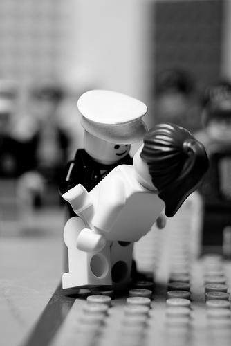 balakov-vj-day-times-square-lego.jpg