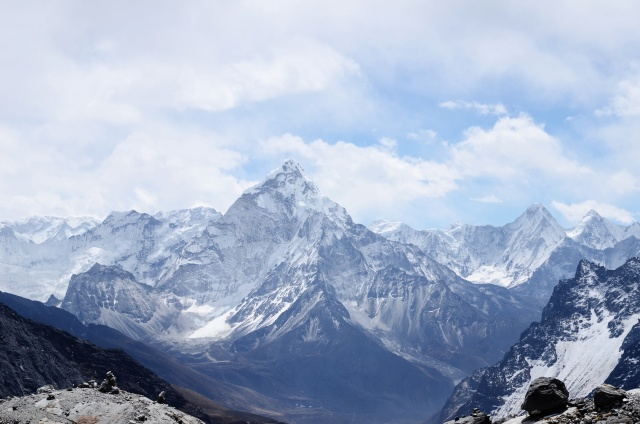 Snowy summits around Amadablam in Nepal.